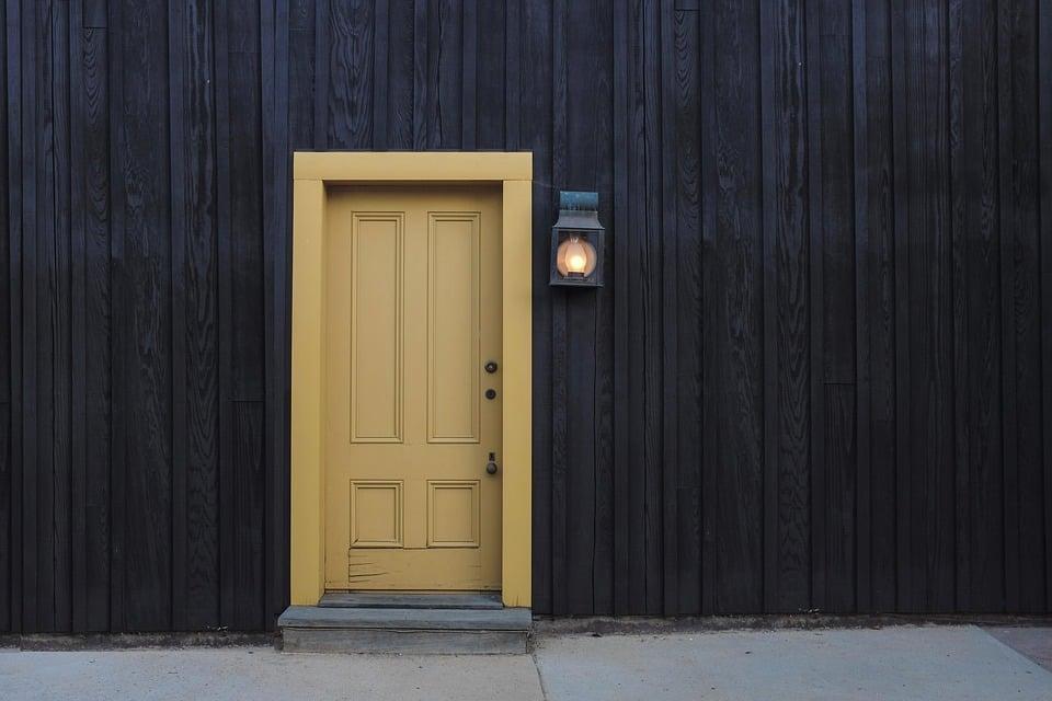 door-1106012_960_720