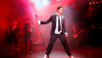 deco-%28brian-gilligan%29%2c-in-the-commitments%2c-photo-credit-johan-persson_lr