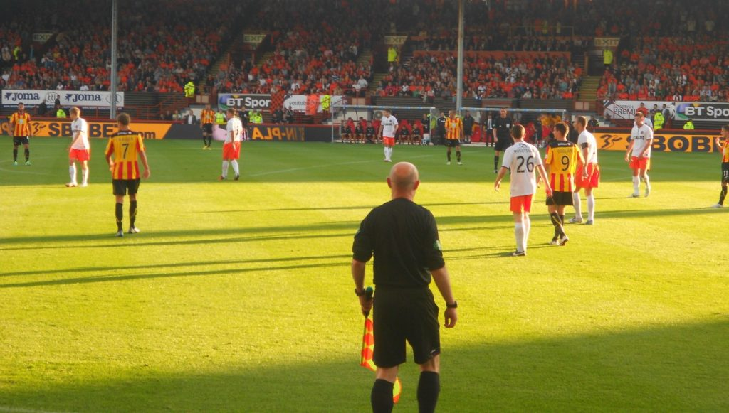 Linesman_officiates_match